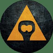 Ošúchané kruhové logo spoločnosti AVAJAK s.r.o. v tvare trojuholníka s otvárakom na fľaše